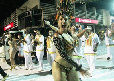 escuela-de-samba-barrio-rampla-carnaval-de-artigas-02